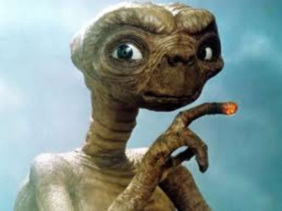 E.T. HAS EYES A LITTLE TOO FAR APART!
