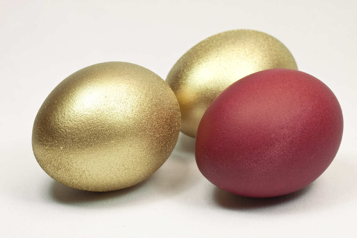 Adding glitter is another creative Easter egg idea for toddlers and parents to try.