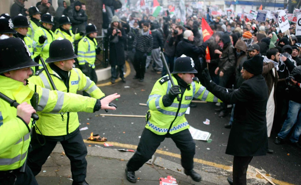 London - racist riots 2011