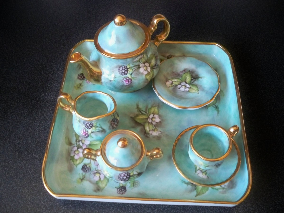 Same tea set but with Paul Smith and different shapes