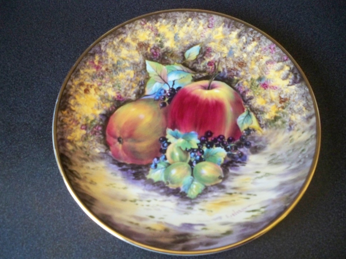 "The most beautiful plate I have ever seen from the ""Evesham"" collection"
