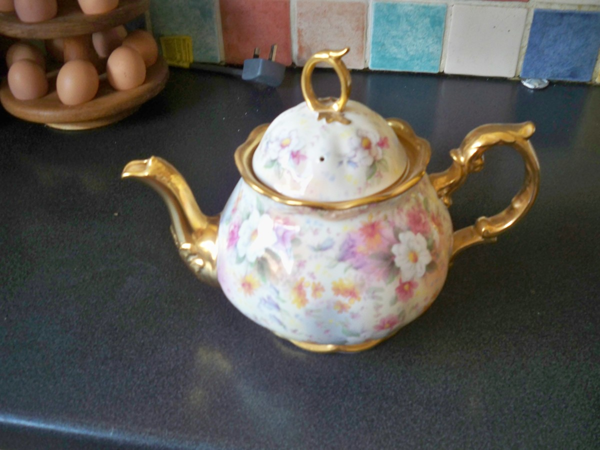 An imposing family tea pot