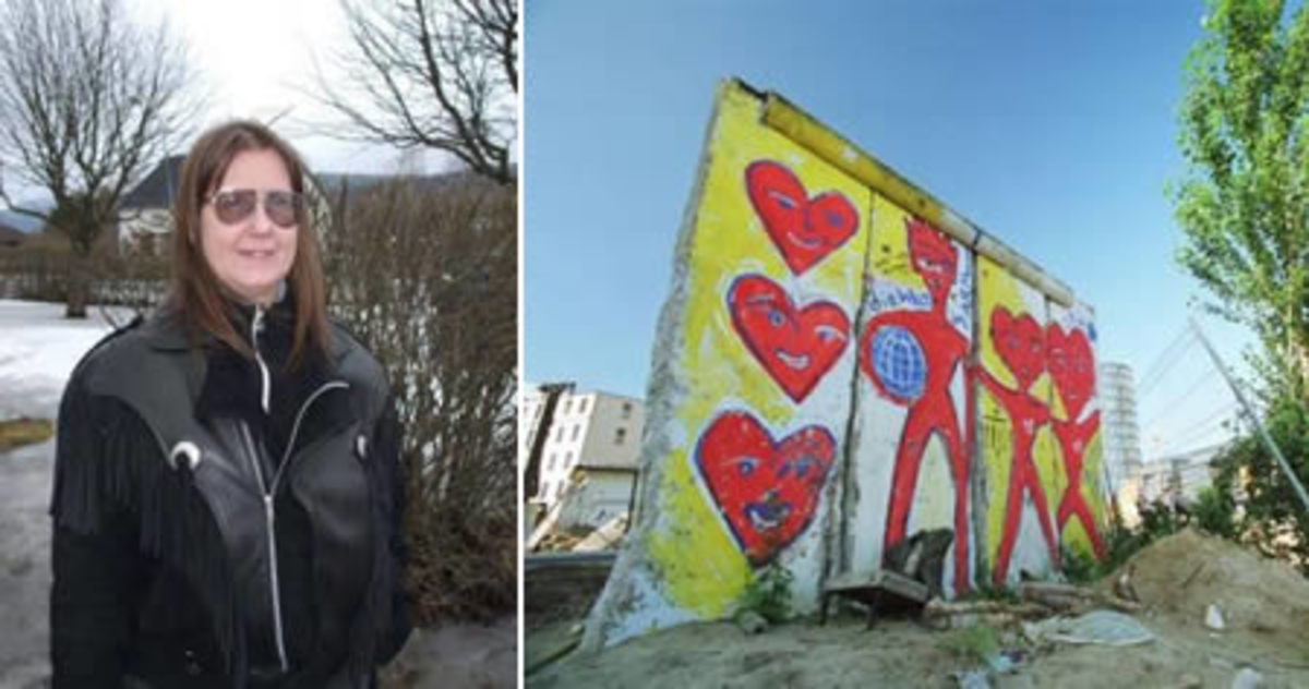 Eija And The Berlin Wall!