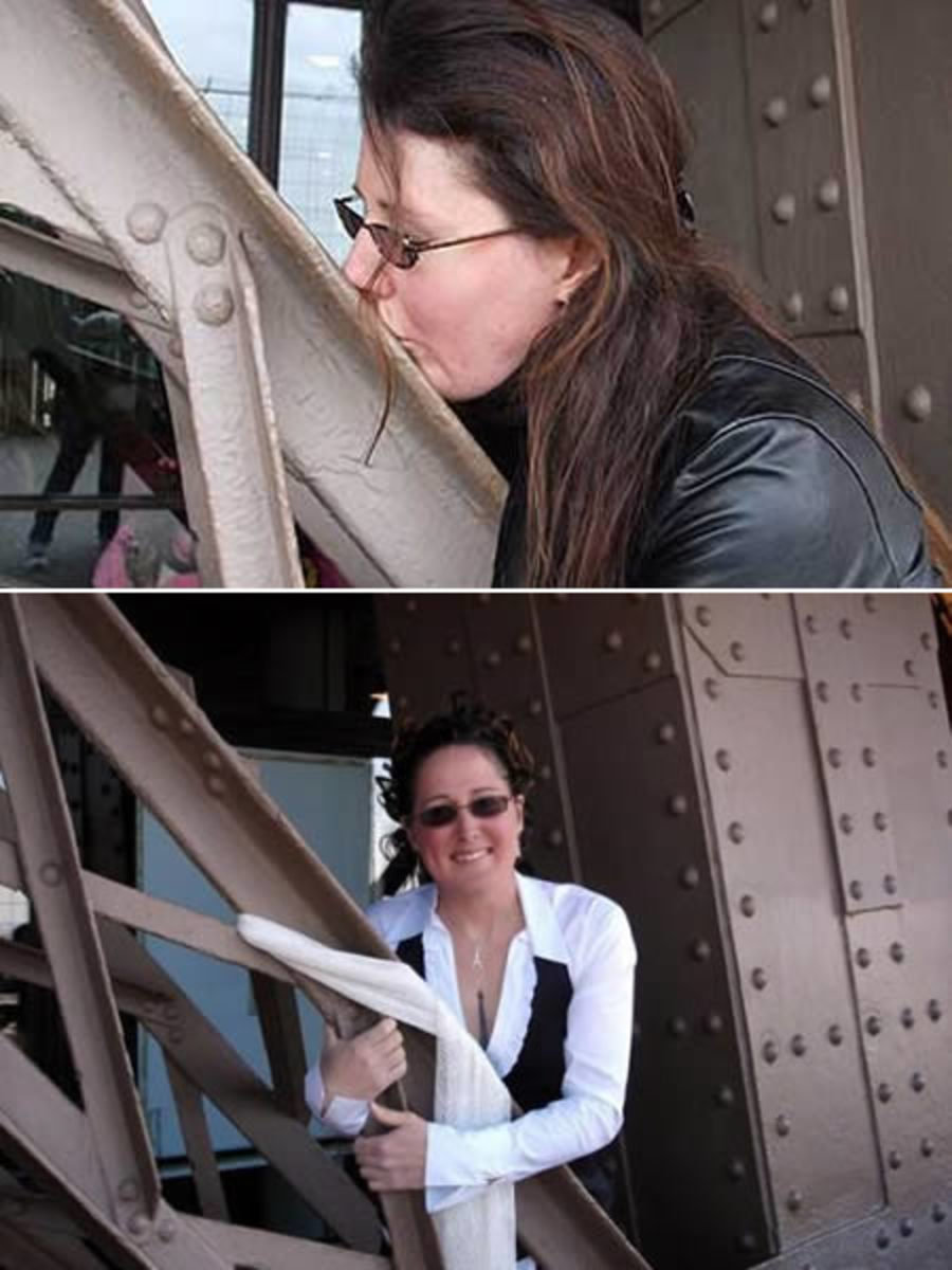 Erika Adores The Eiffel Tower!