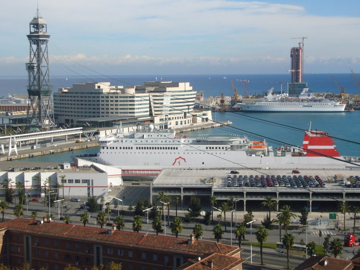 View across Barcelona Port at the World Trade Center cruise north terminal with Quai Adossat beyond