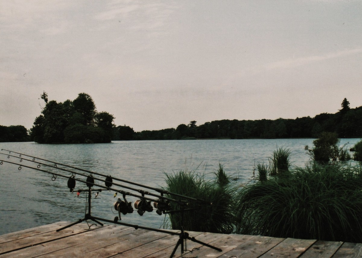 angling-chateau-lake-france