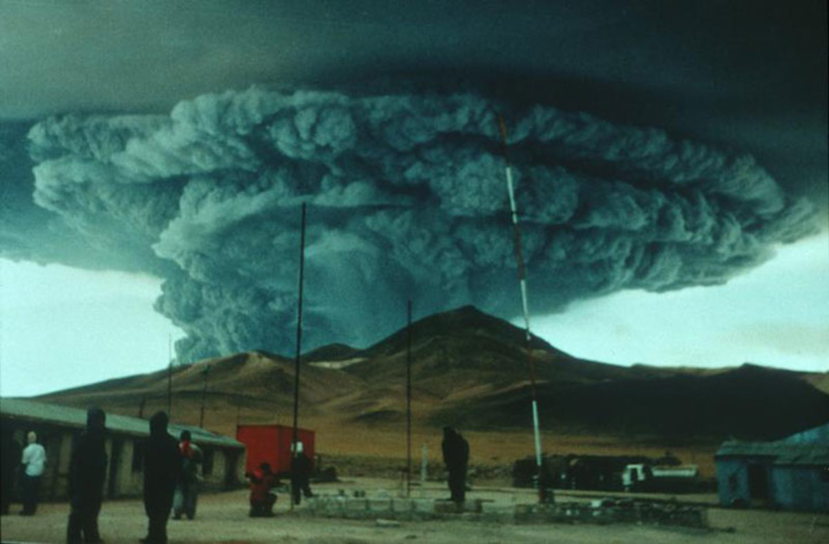 Volcano Eruption in Iceland: First came the floods, then the smell of rotten eggs...