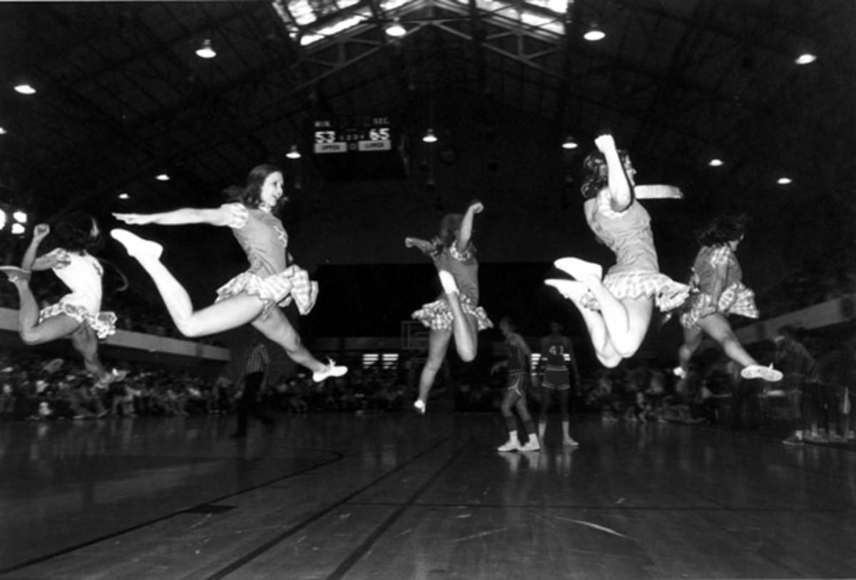 "GARRY WINOGRAND ""AUSTIN TEXAS CHEERLEADERS 1975"""