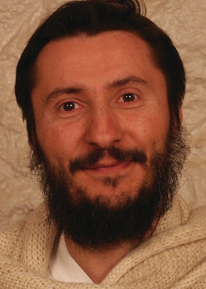 Dr Samuel Sagan