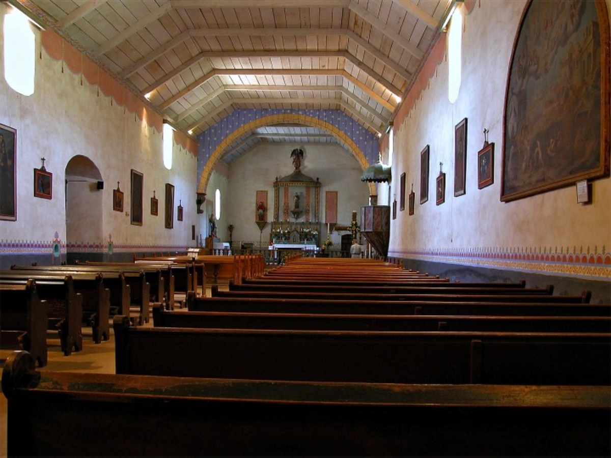 Mission San Antonio de Padua. Spanish colonial arches in the mission style were incorporated into the vernacular architecture of California.