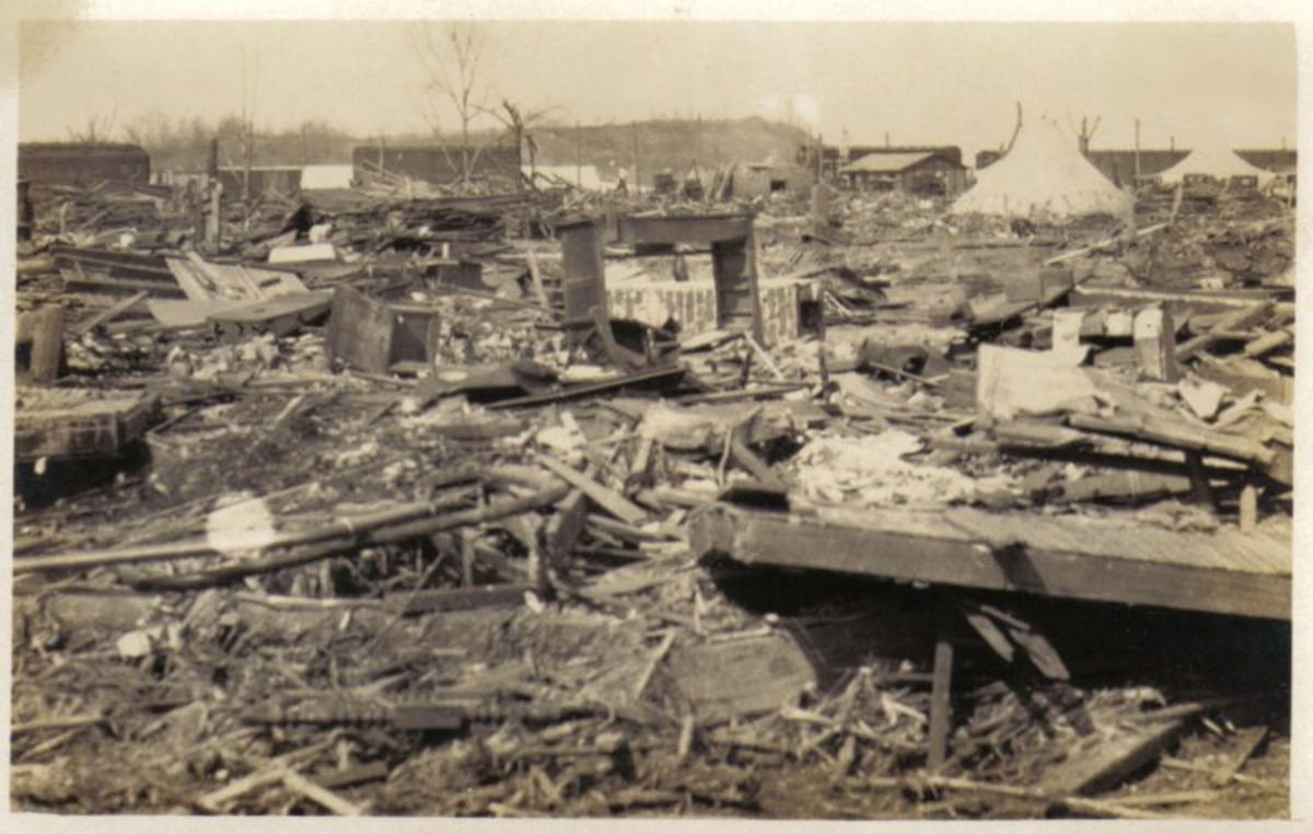 Destruction due to the Tri-State Tornado.