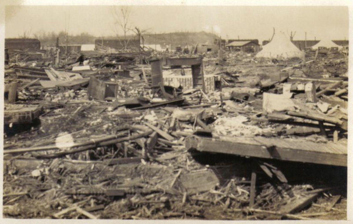 Destruction due to the Tri-State Tornado.