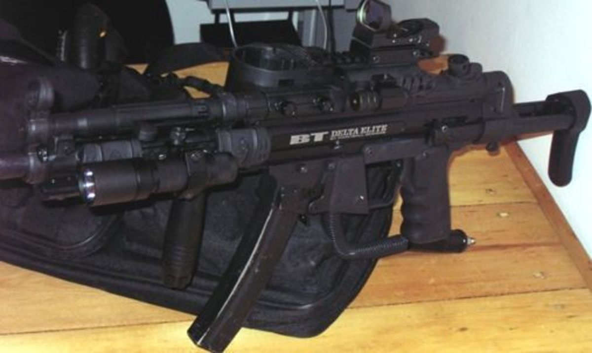 BT4 Elite Fully Loaded With Holographic Sight and Tactical Flashlight