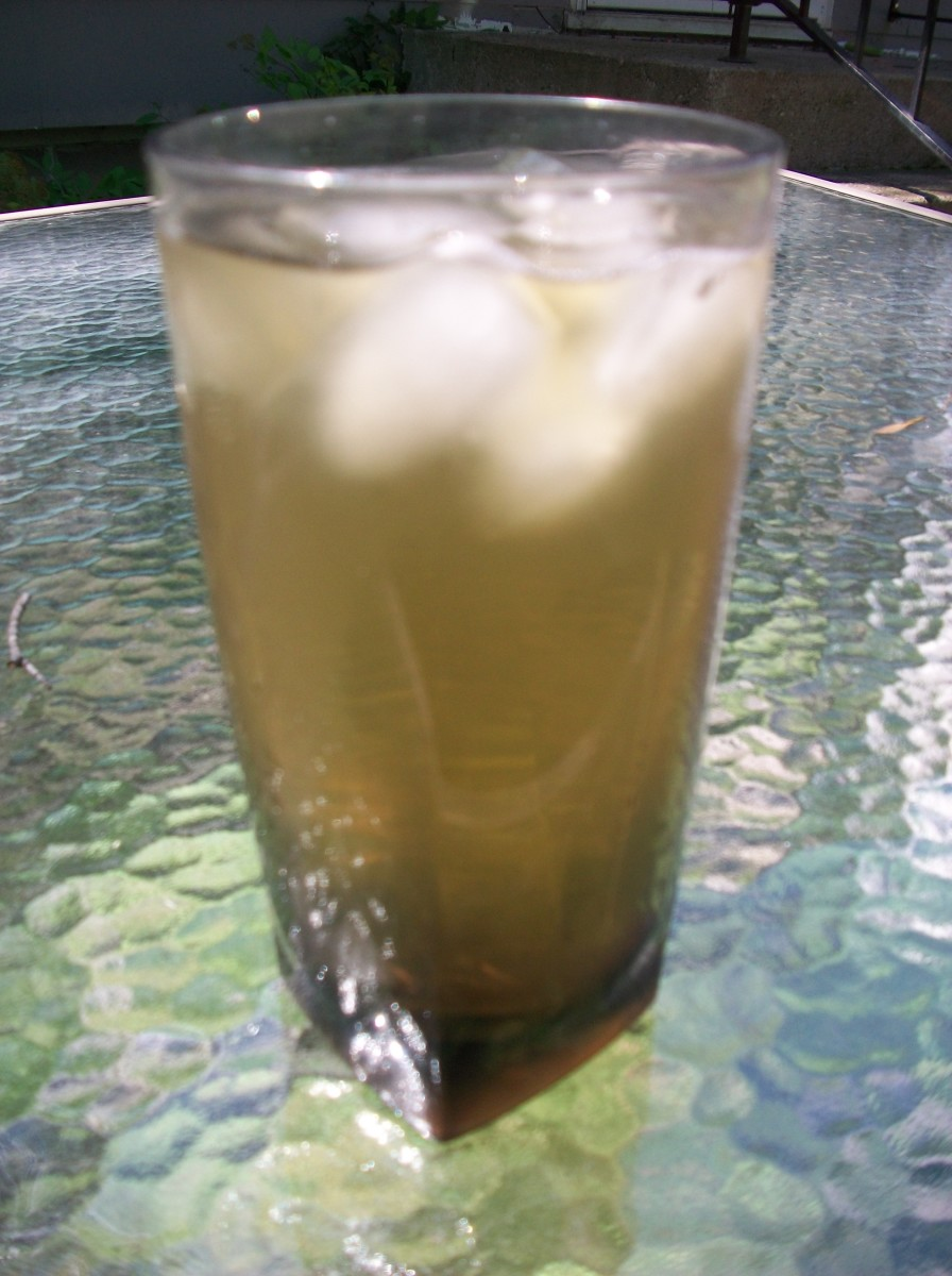 How to Make Homemade Iced Green Tea with Stevia