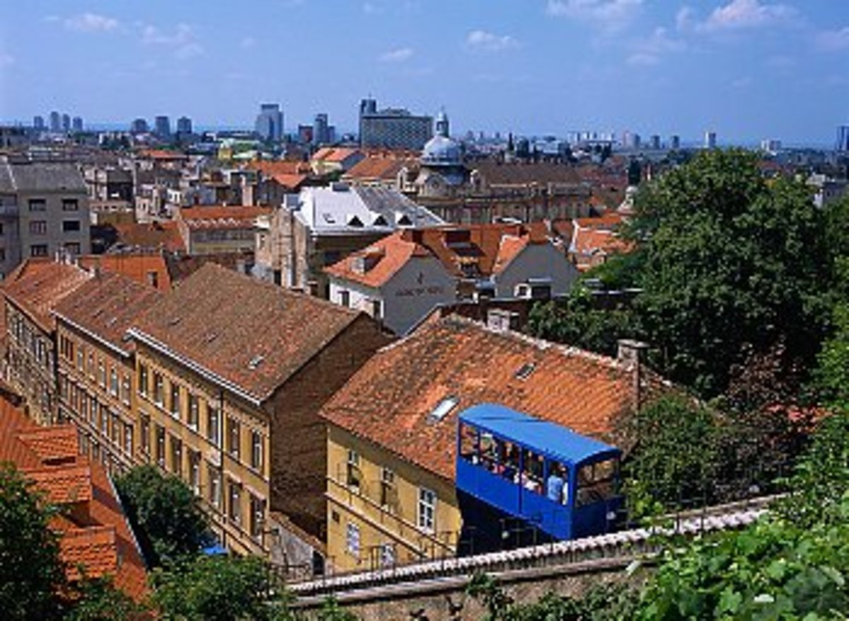 Zagreb, funicular towards upper town