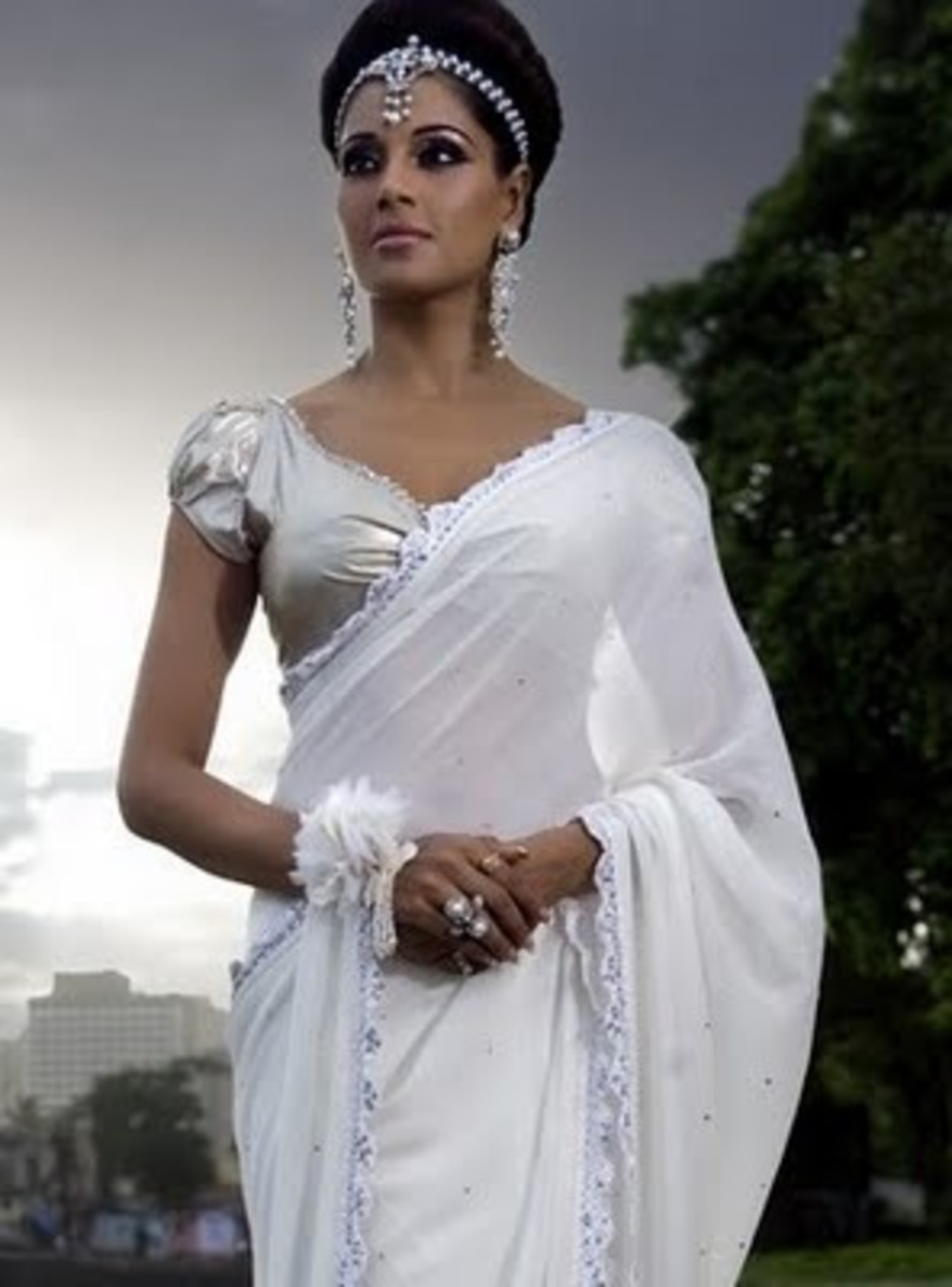 Bipasha Basu in Silver blouse and White saree
