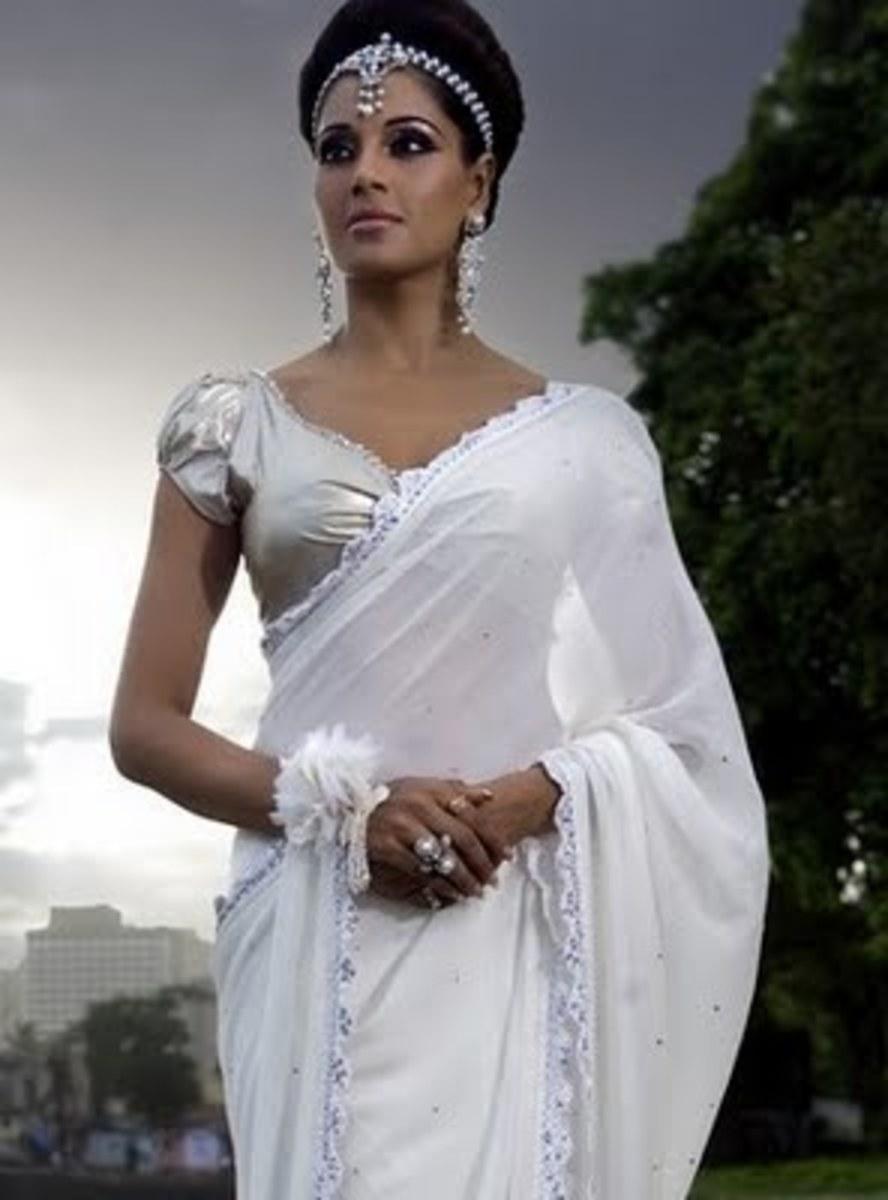Bipasha Basu in Silver blouse and White saree