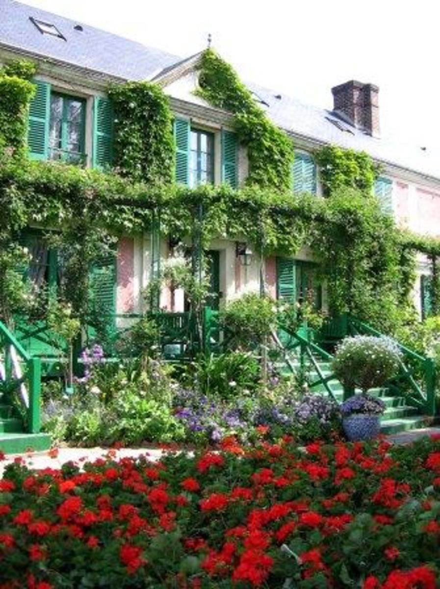 Monet's home, courtesy of: http://www.scenic-france-touring-tips.com