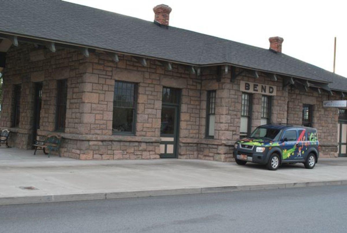 Oregon Trunk Railroad Depot: Historic Train Station in Bend Oregon