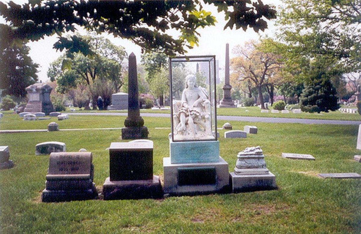 statue of Inez Clark