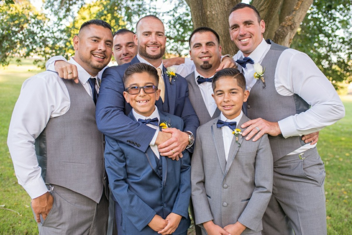 Jr. groomsmen may also act as ushers.