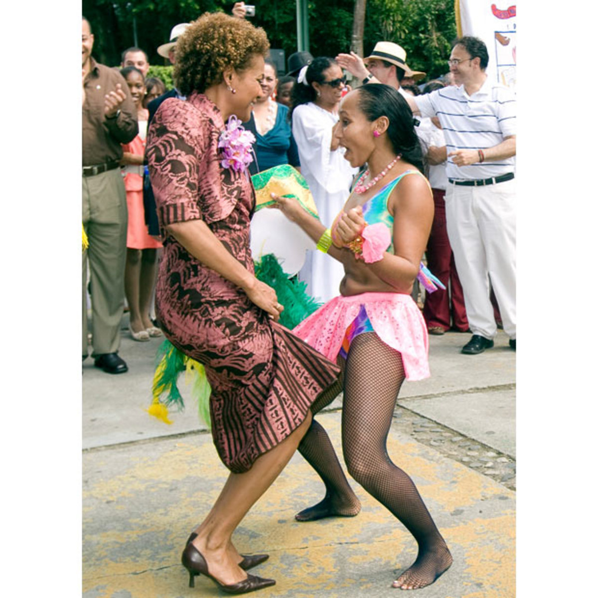 Canadas Governor General Michalle Jean dances in the street after receiving the Keys to the City of Limon in Costa Rica, 14 Dec 2009