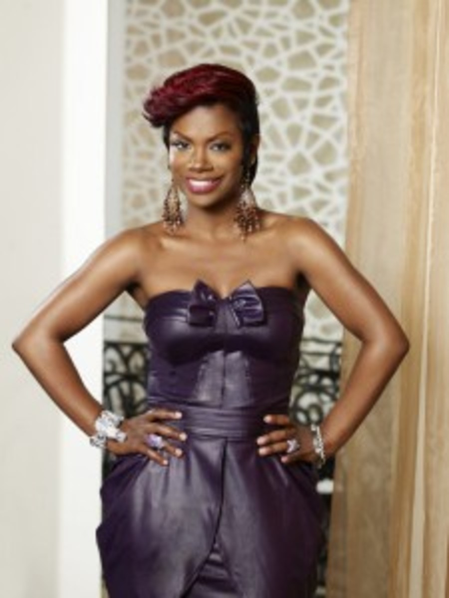 Kandi Buress of the Real Housewives of Atlanta now has red hair. I love it.