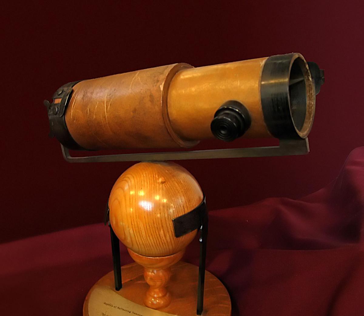 SIR ISAAC NEWTON'S TELESCOPE