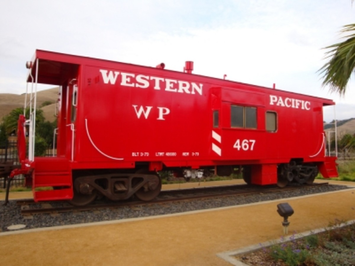 Western Pacific #467 caboose display next to the Niles Town Plaza