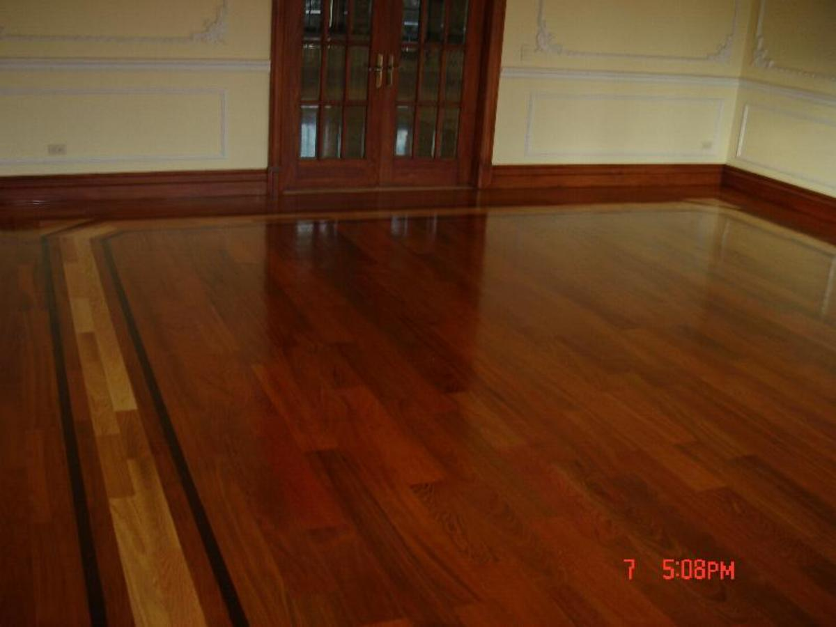 wood flooring border with inlay