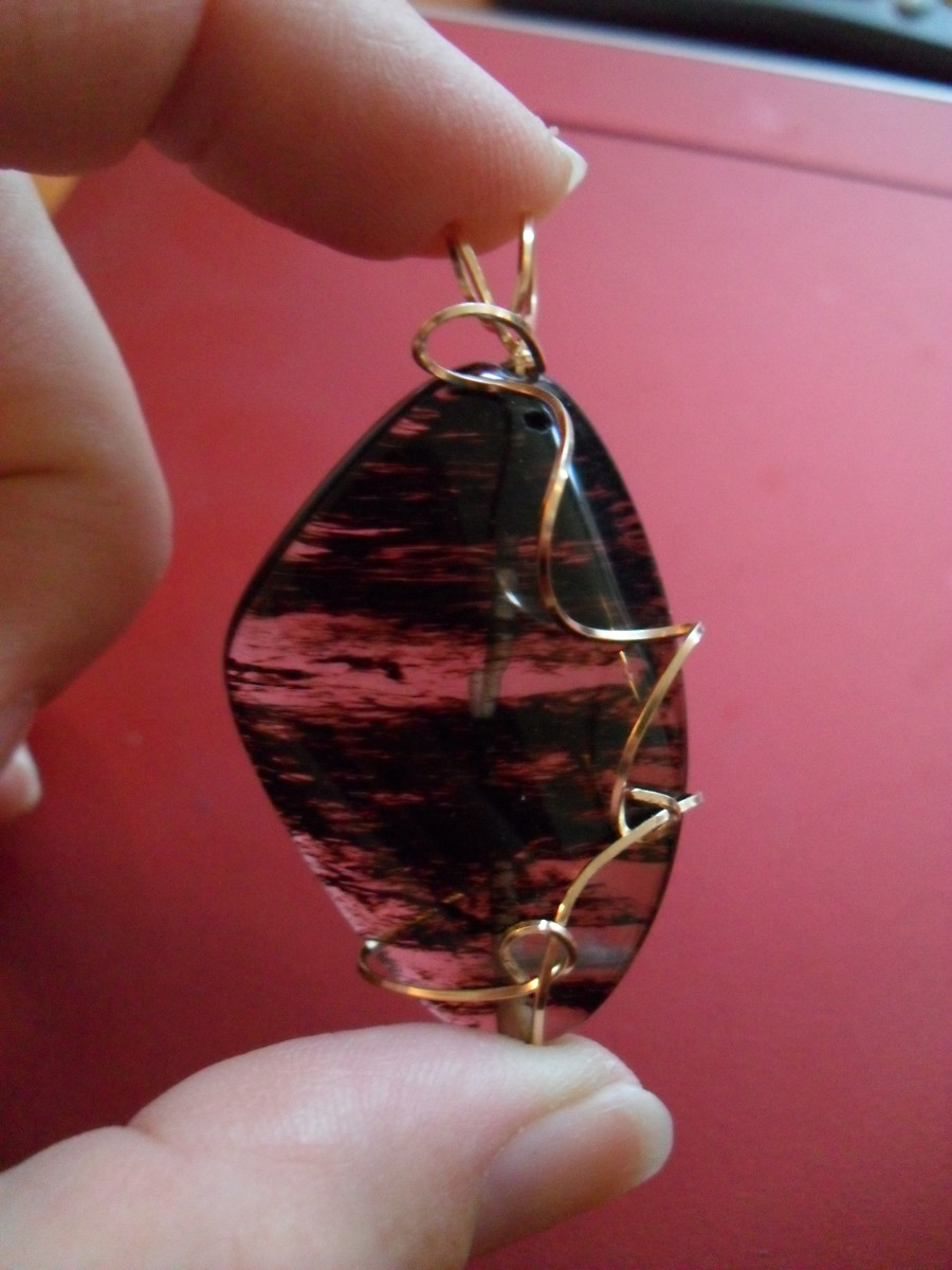 Easy-Peasy Pendant - Image by Enelle Lamb