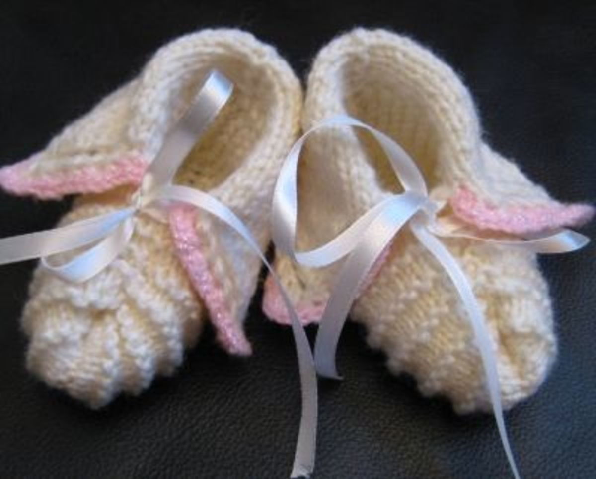 Vintage style baby booties