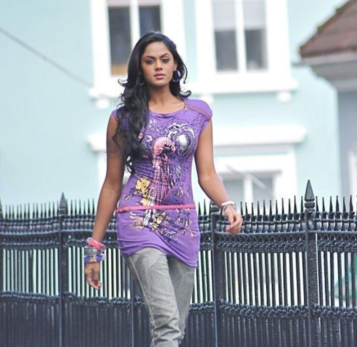 Latest Stills of Karthika nair in Ko Film