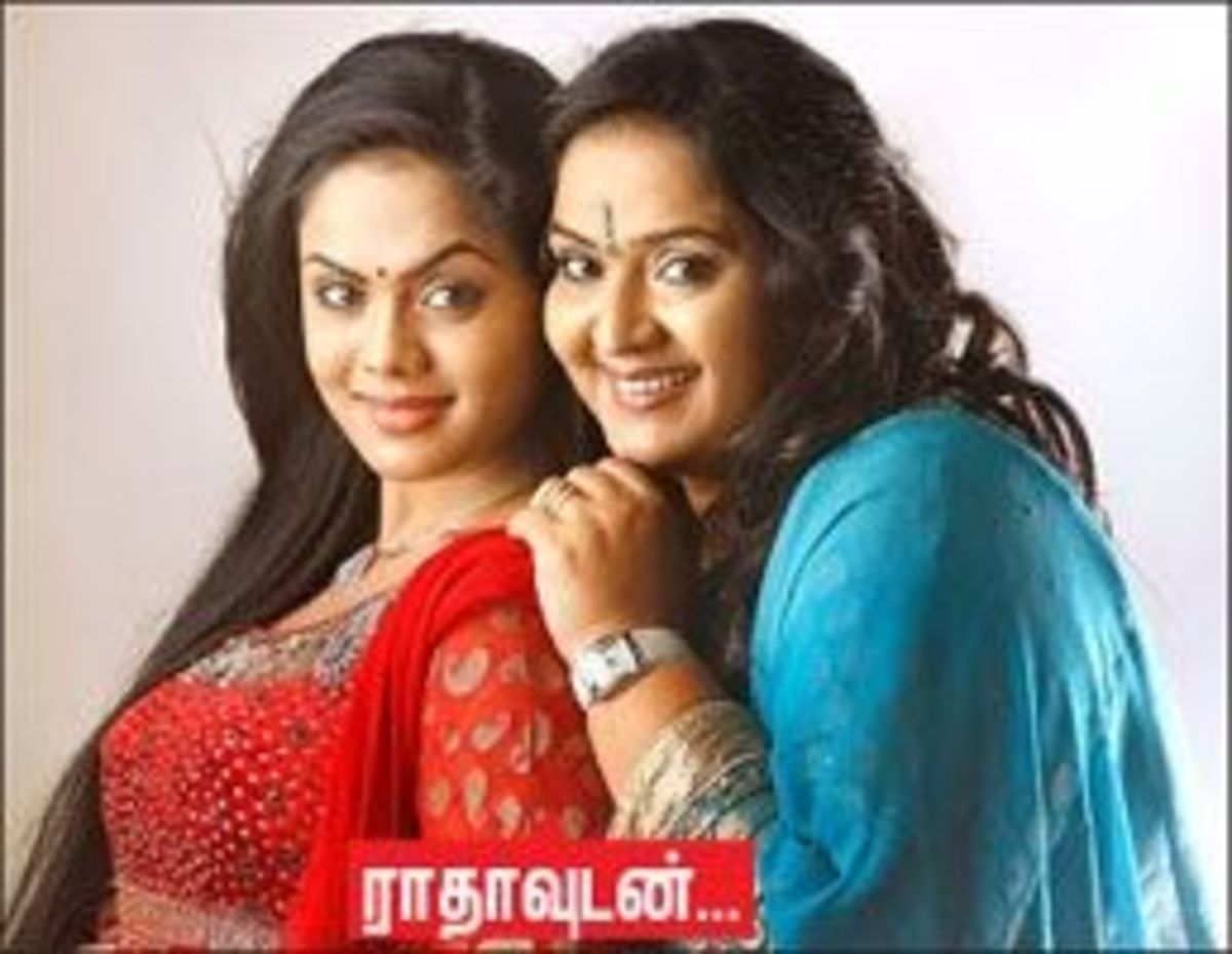 Karthika Nair With her Mother - Radha