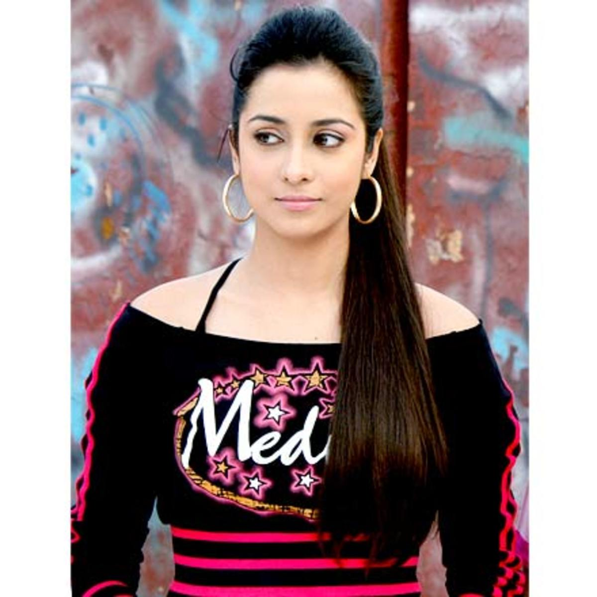 Madhura Naik as T (Tanushree Ambolker)