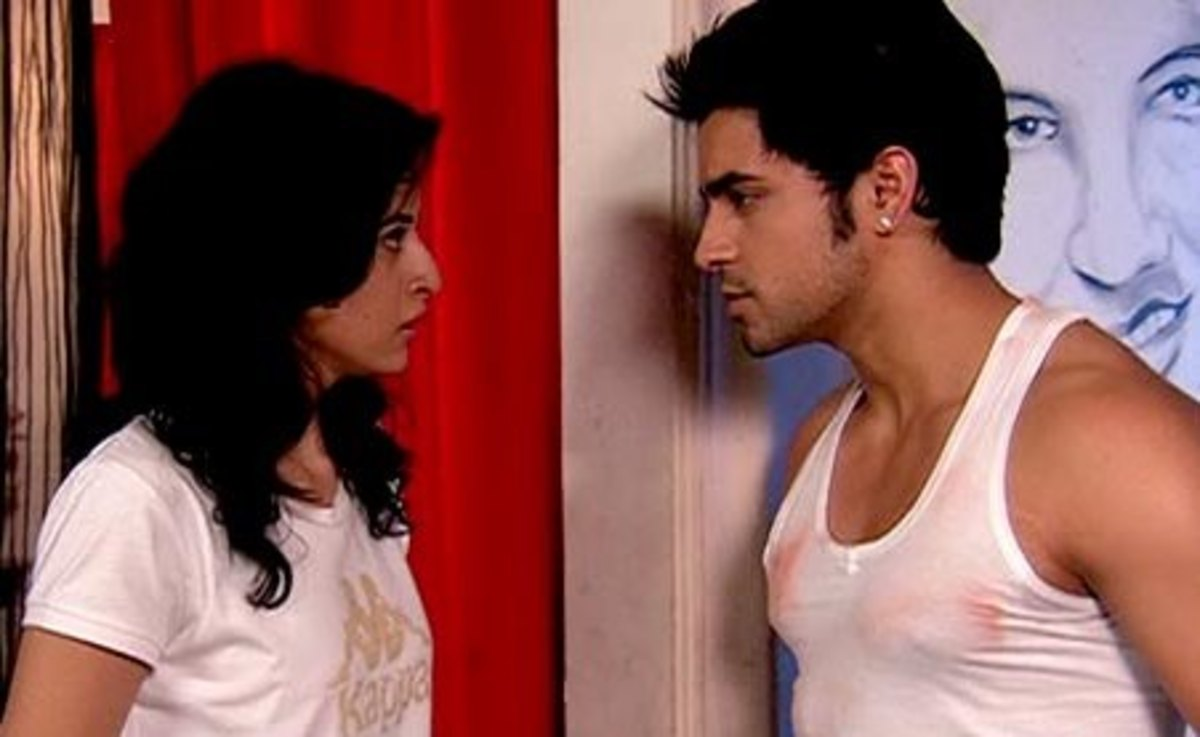 Shaurya comes to Misha's House in her Dreams