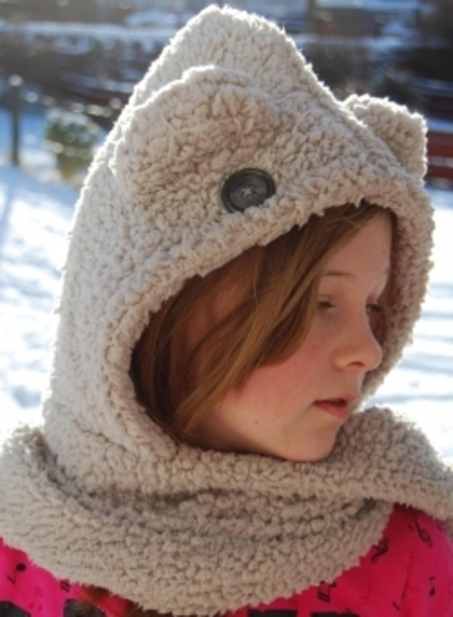 Crochet Pattern Hooded Scarf With Ears : Free Hooded Scarf Patterns to Knit and Crochet