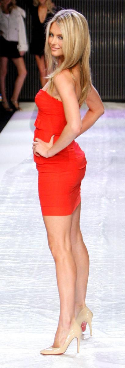 Jennifer Hawkins Celebrity Derrieres in the News