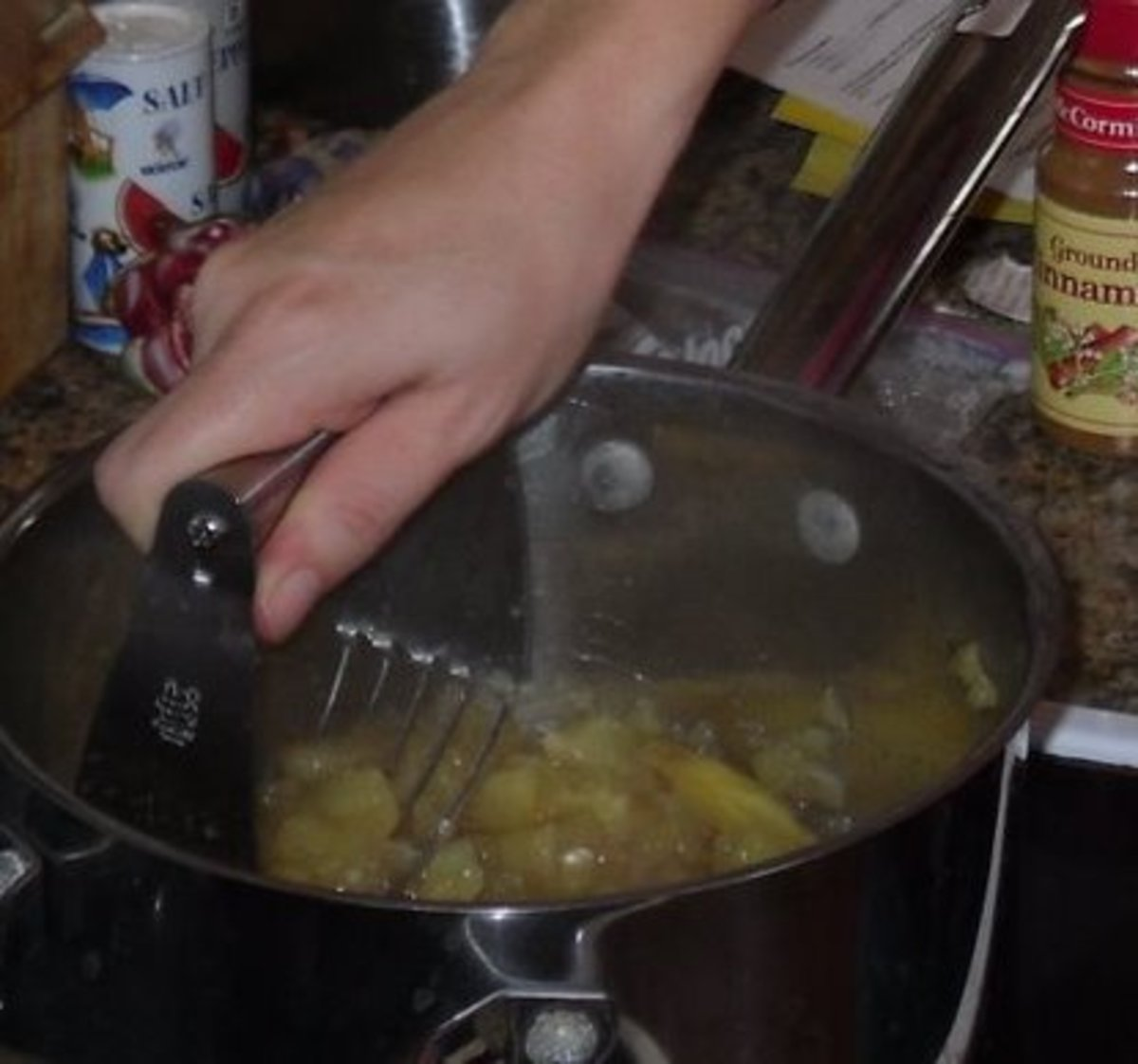 Making Dutch Applesauce
