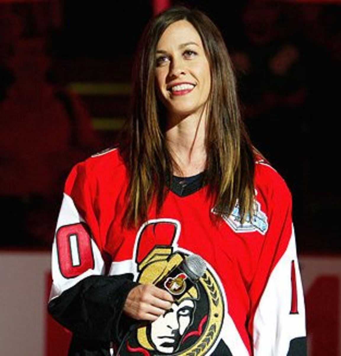 Alanis Morissette at the 2007 Stanley Cup finals between the Anaheim Ducks and the Ottawa Senators in Ottawa