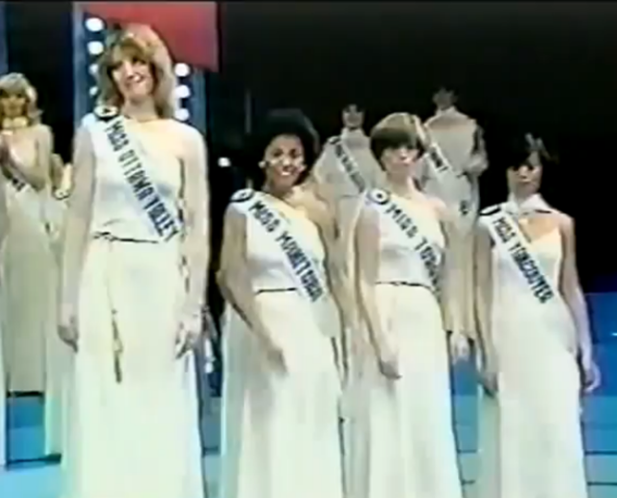 Shannon Tweed (front left) representing Ottawa Valley placed 4th in the 1978 Miss Canada pageant