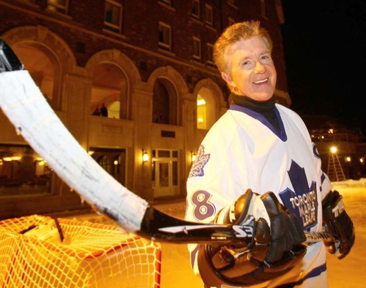 Alan Thicke showing his Canadian side