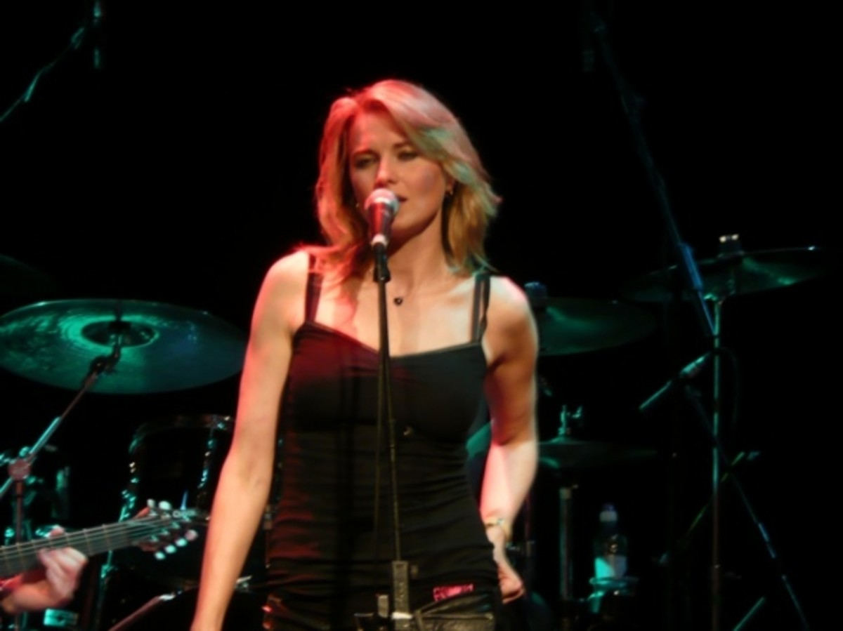 Lucy in Concert - London - May 2008 Copyright of the author