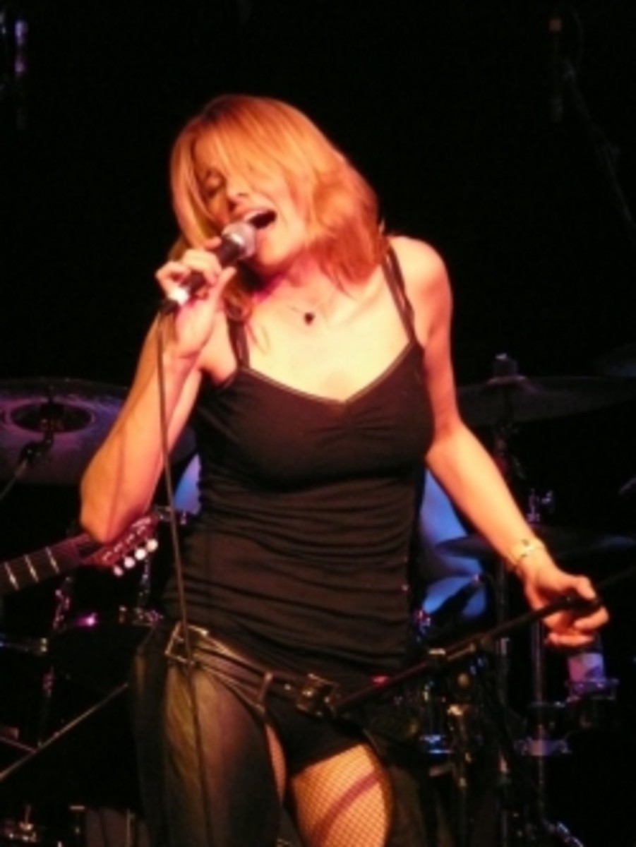 Lucy Lawless in Concert