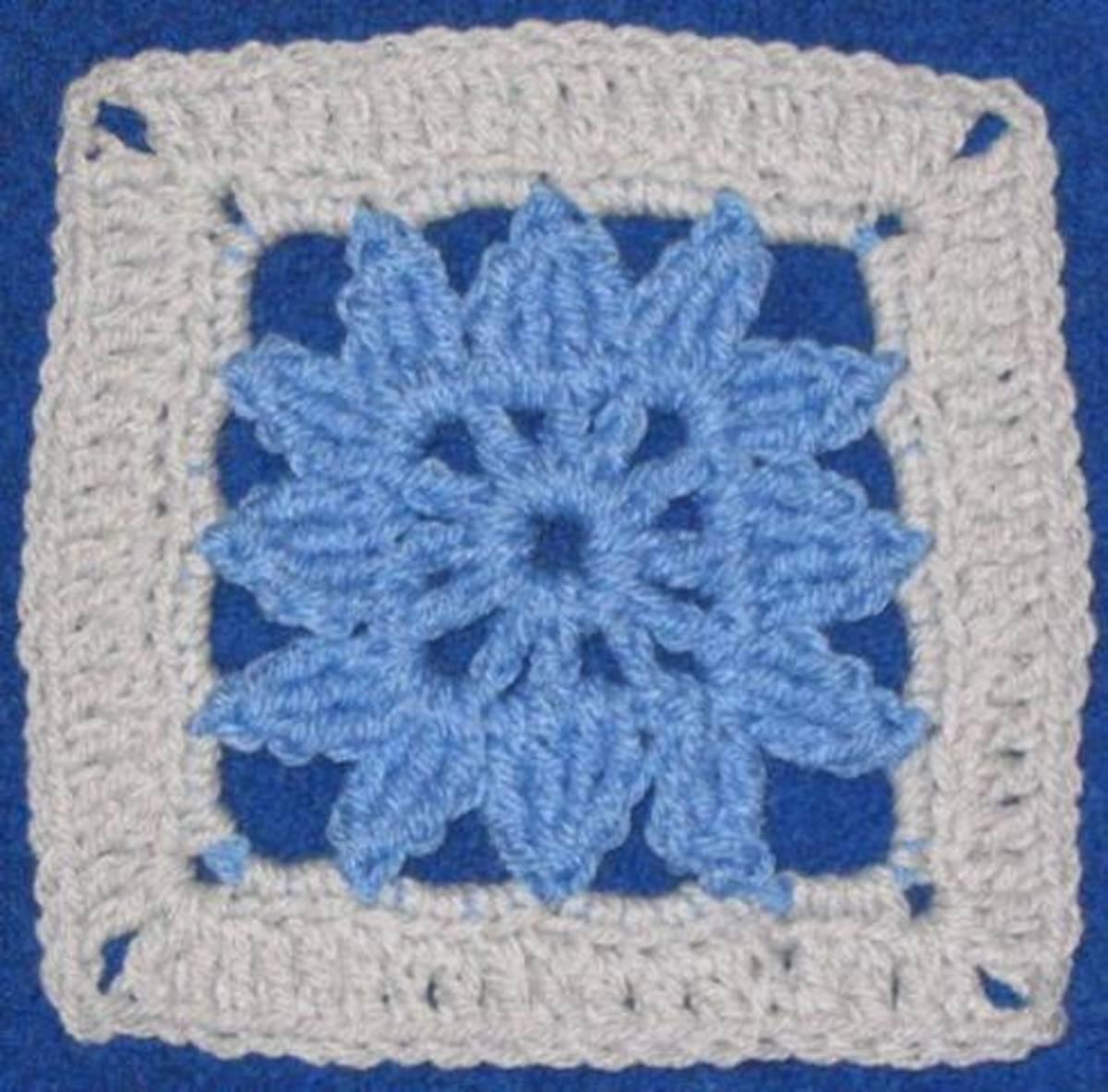 Little Dahlia Square by Yarn Crazy Crochet World