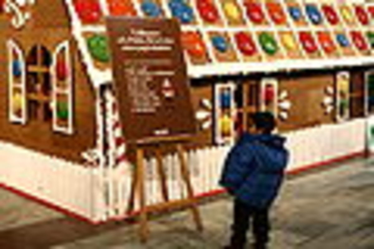 Full size gingerbread house at Stockholm Central Train Station.