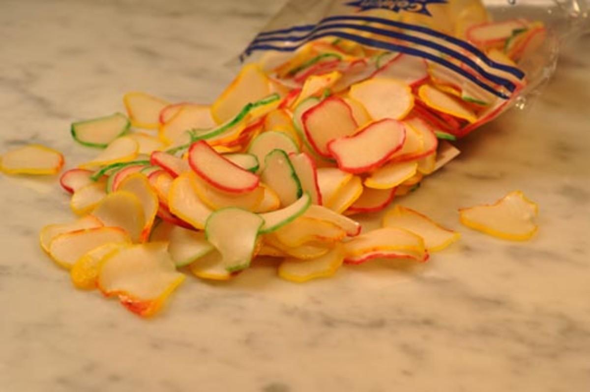 Multi-coloured garlic chips. Image:  Siu Ling Hui