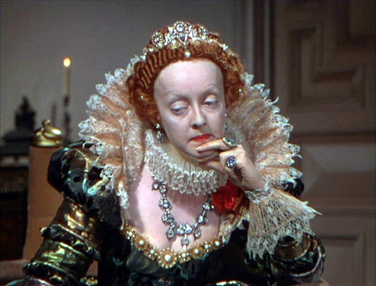 Davis plays Queen Elizabeth I