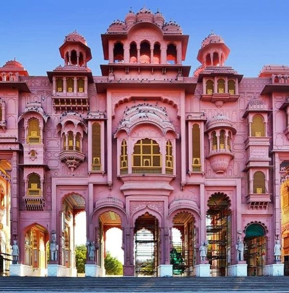 Jaipur is particularly known for its beautiful architecture.
