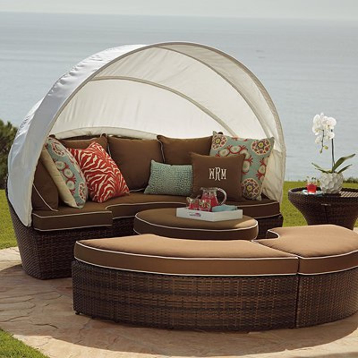 inexpensive outdoor daybeds 2